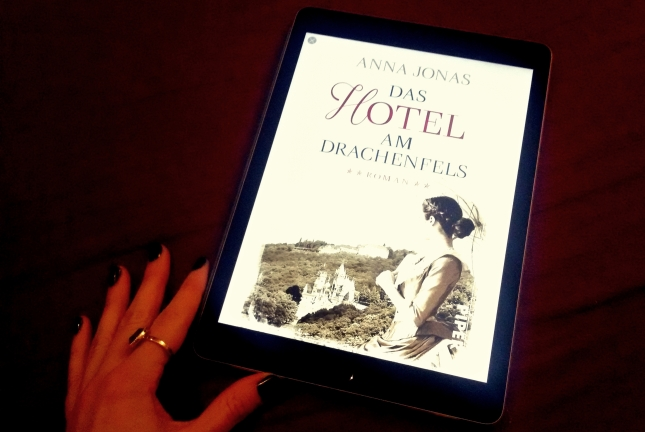 """Rezension zu """"Das Hotel am Drachenfels"""" von Anna Jonas, primeballerina's books, 2016"""