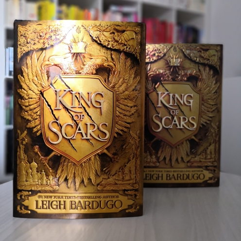 King of Scars Illumicrate Unpacking 9